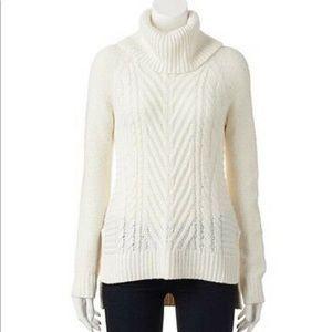 EUC ELLE Cable Knit  Turtleneck White Sweater